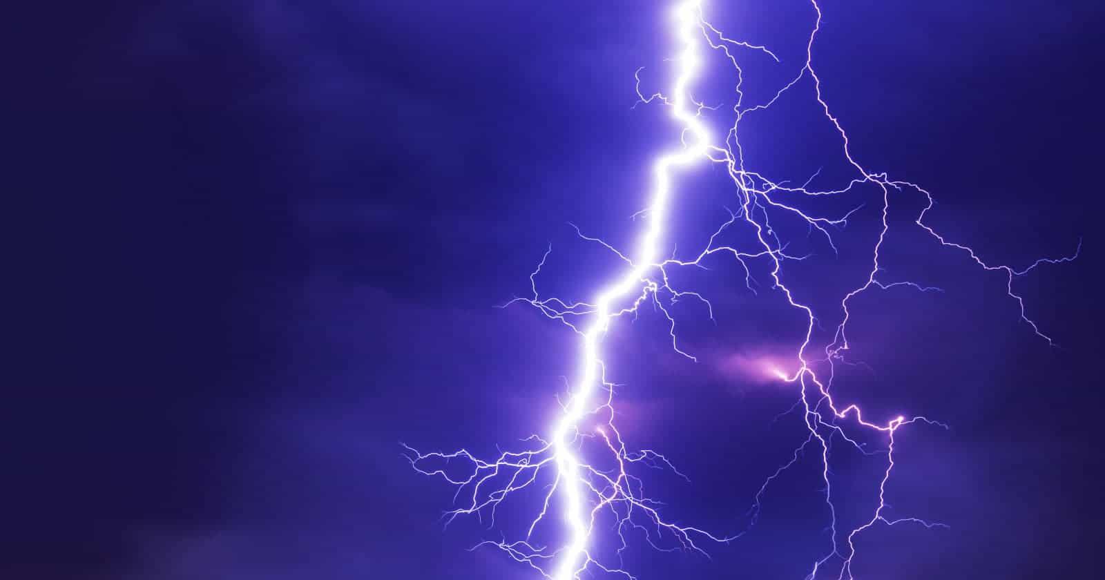 AMP lightning bolt